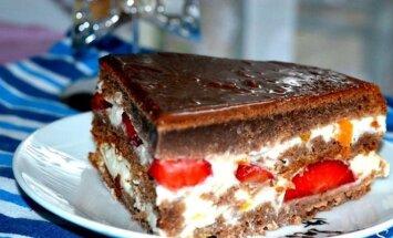 Šokoladinis jogurtinis tortas su braškėmis