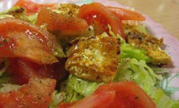 Ir sveika, ir skanu: salotos su keptu sūriu