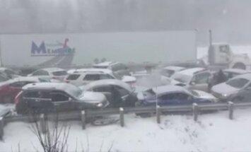 Avarijoje Kanadoje susidurė apie pusšimtis automobilių