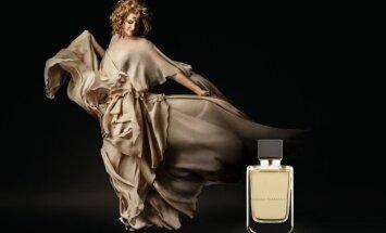 Dizainerės R. Piekautaitė pristato kvepalus