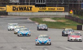 """Antroji žiedinių """"DeWalt Grand Prix"""" lenktynių diena Rygoje: greitesnis tempas ir avarijų gausybė"""