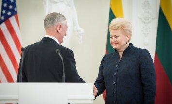 Jamesas Mattisas ir Dalia Grybauskaitė
