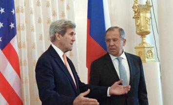Johnas Kerry, Sergėjus Lavrovas