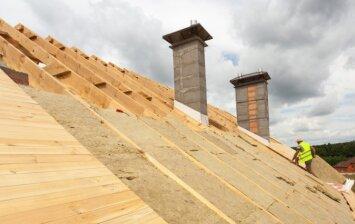 Statybų sezonas: stogo šiltinimo darbai