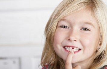 Kam patikėti vaiko dantukus - privačios klinikos specialistams ar poliklinikai
