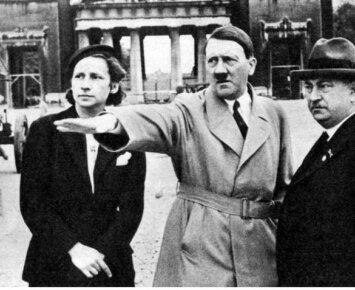 """Buvusi Hitlerio maisto ragautoja papasakojo apie patirtą siaubą """"Vilko irštvoje"""""""