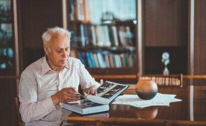 Kazys Algirdas per savo gyvenimą nuveikė tiek, kad kitiems būtų tikrai gana, bet tik ne jam: dabar padeda kitiems senjorams