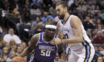 """NBA naktis: apmaudi """"Jazz"""" šturmo kulminacija ir šiltas Randolpho sutikimas Memfyje"""
