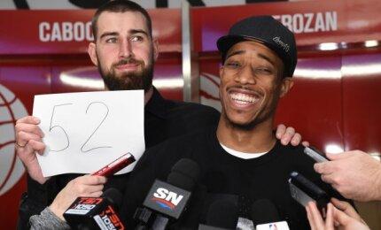 """""""Raptors"""" siunčia DeRozaną į """"Spurs"""" mainais už Leonardą"""