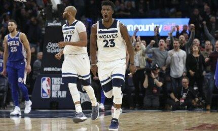 """Sužvėrėjęs Butleris grįžo į """"Timberwolves"""" treniruotes: pažemino starto penketą ir iškoliojo klubo valdybą"""