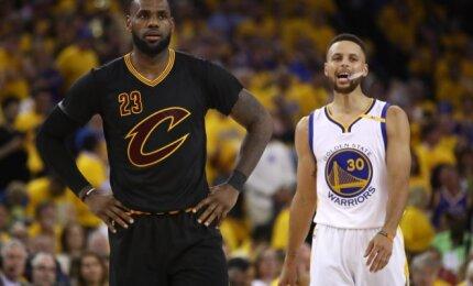 """NBA """"Visų žvaigždžių"""" rungtynėse pirmą kartą susigrums Jameso ir Curry suformuotos komandos"""