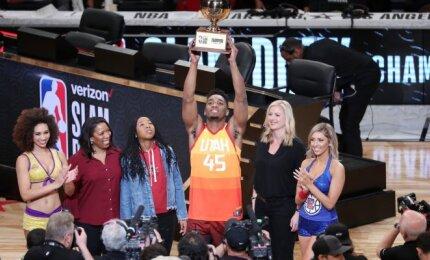 NBA Visų žvaigždžių fiestoje – Bookerio tritaškių liūtis ir Mitchello triumfas dėjimų konkurse