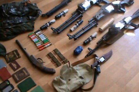 """Ukraina: grupuotės """"Čečena"""" narių rankose – įspūdinga ginkluotė"""