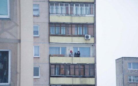 Ждут запрета на курение на балконе, чтобы жаловаться на сосе.