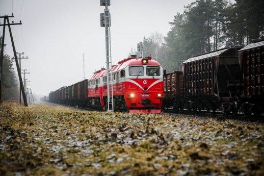 """Šeimyniniai santykiai """"Lietuvos geležinkeliuose"""" stebina įžūlumu"""