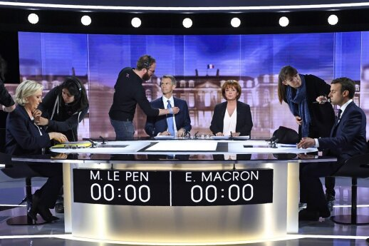 M. Le Pen: Prancūziją valdysiu arba aš, arba A. Merkel
