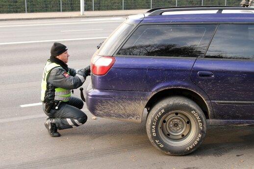 Automobilių techninės apžiūros meistrai pastebėjo įdomų lietuvių taupymo būdą
