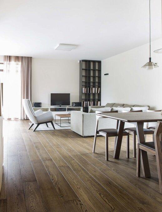240 kv.m. namas Vilniuje: tegyvuoja jaukūs žemės atspalviai