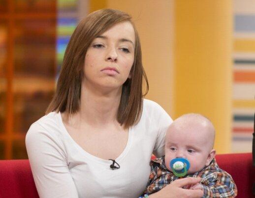 """Liekna it nendrė moteris pagimdė nenutuokdama, kad yra nėščia <span style=""""color: #ff0000;""""><sup>FOTO</sup></span>"""