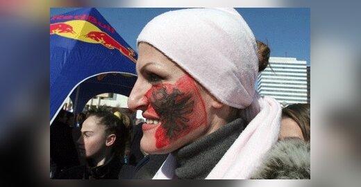 ES siūlosi tarpininkauti Serbijos ir Kosovo dialogui