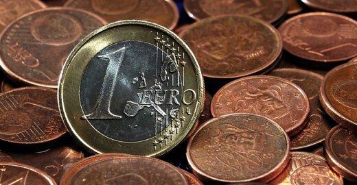 """""""Eurobarometras"""": 6 iš 10 lietuvių eurą vertina nepalankiai"""