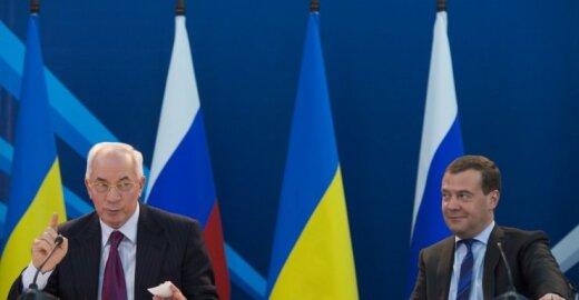 Nikolajus Azarovas, Dmitrijus Medvedevas