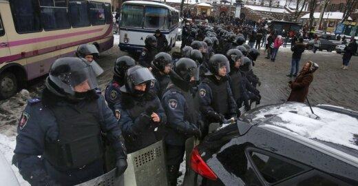 Ukrainos valdžia demonstruoja jėgą