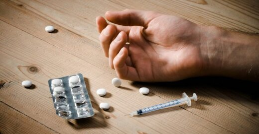 Norinčių gydytis nuo narkotikų – vis daugiau, finansavimo tam – vis mažiau