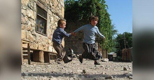 Turkija. Žaidžiantys vaikai