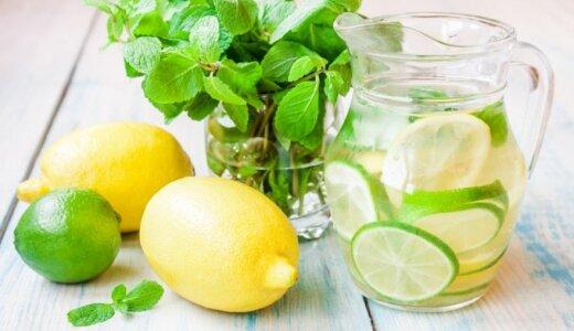 Vanduo su mėtomis ir citrinomis