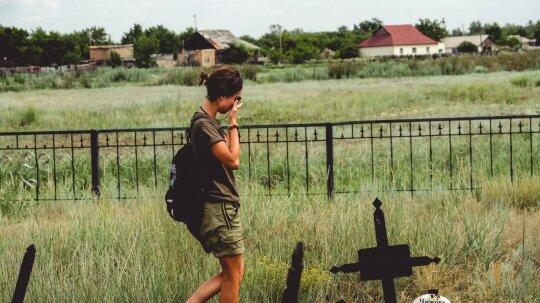 Kraupios pliušiniais žaislais nuklotos vaikų kapinės: ten patekus norisi sukalbėti visas maldas, kurias moki