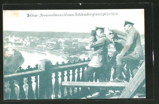 Vokietijos kariai žiūri nuo Gedimino bokšto