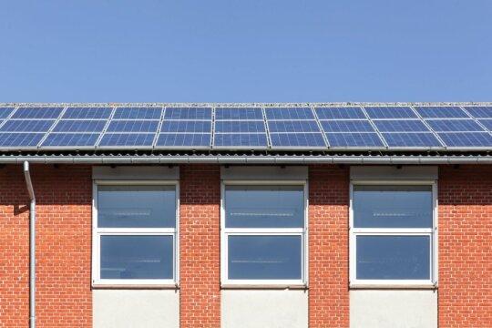Nemokama elektra ir šiluma – kur panaudoti saulės energiją?