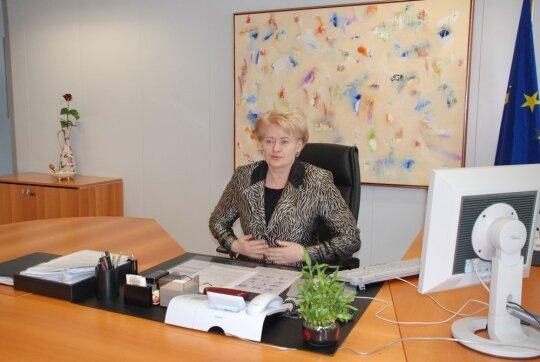 Dalia Grybauskaitė savo darbo kabinete Briuselyje