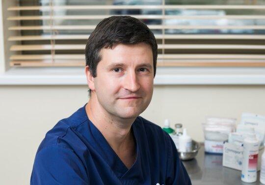 Bendrasis, abdominalinis chirurgas, koloproktologas Deividas Narmontas