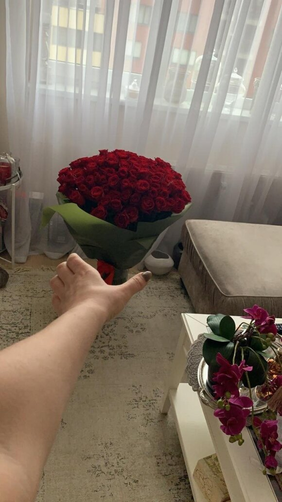 Natalia Bunken, who marks her 36th birthday, is amazing with her lover from the morning: although I do not have a chance to do it. I like it, this is different