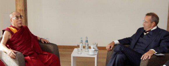Далай-лама находится с визитом в Эстонии, Китай против