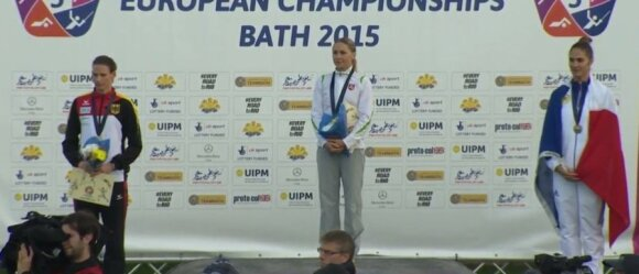 Laura Asadauskaitė-Zadneprivskienė su aukso medaliu