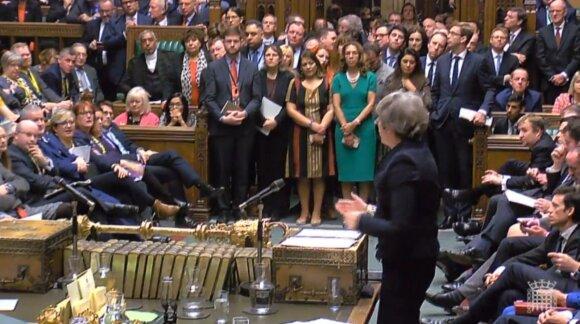 """Британский парламент отверг соглашение о """"брексите"""". Тереза Мэй на грани отставки"""