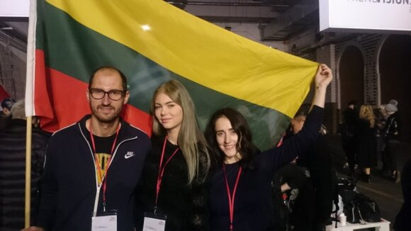 Didžiuojamės: kirpimo meistrai ant aukščiausios pasaulinio konkurso pakylos užkėlė Lietuvą