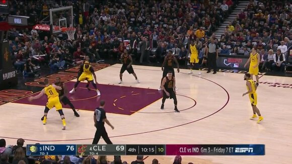 """Ketvirtame kėlinyje Klivlande prabudęs Sabonis su """"Pacers"""" NBA atkrintamąsias pradėjo su trenksmu"""