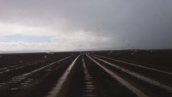 Lietuvių kelionę Mongolijoje apkartino sugedęs automobilis: pakelėse nudvėsusios karvės buvo blogas ženklas