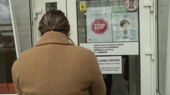 Karščiuojantį vaiką po viešnagės Italijoje į ligoninę atvežusi mama pratrūko: pasibaisėjo tuo, kaip buvo elgiamasi