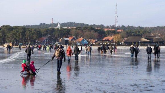 Stintapūkis Neringoje - žmonės ant ledo, 2017m.