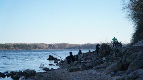 Žvejai prie Kauno marių