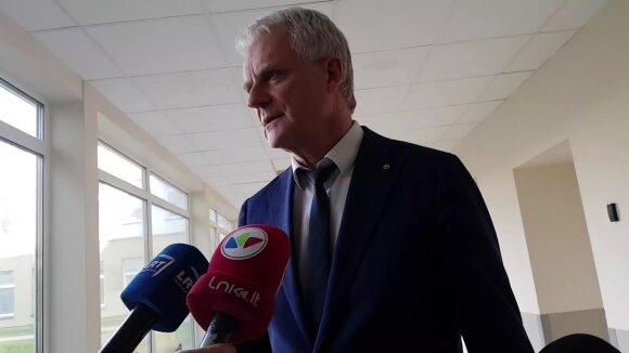 Šiaulių ligoninės direktorius apie koronavirusu užsikrėtusią moterį: niekas nežino, kiek virusas dar bus organizme