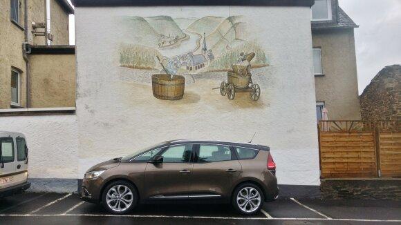 """""""Renault Grand Scenic"""" gali būti septynvietis arba penkiavietis su talpia bagažine"""