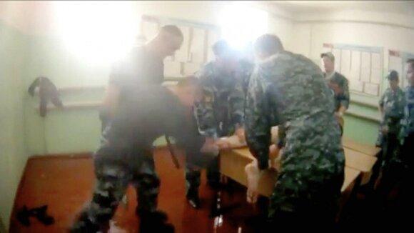 Скандал с пытками в российской колонии: реальный кошмар настоящей России