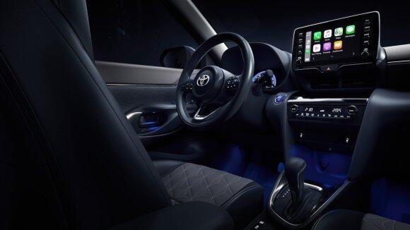 """Pradėta prekyba visiškai nauju kompaktišku SUV – """"Toyota Yaris Cross Hybrid"""""""
