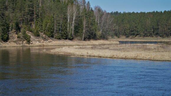 Neries upė Neries regioninio parko ribose